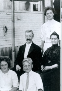 Charles Heap Family about 1904