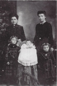 Mary Bender, Anna Schneider, Molly Bender Amelia Bender, and Lena Bender  1904
